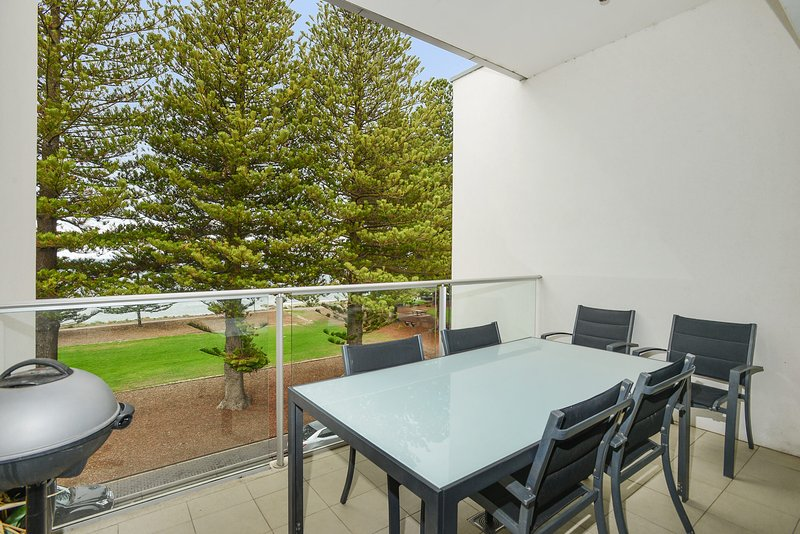 24 The Breeze - Sea Views Right in the Heart of Victor Harbor - Image 1 - Victor Harbor - rentals