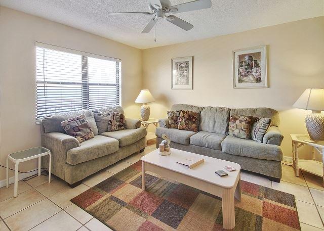 Living Area - Sunset Chateau #513 - Treasure Island - rentals