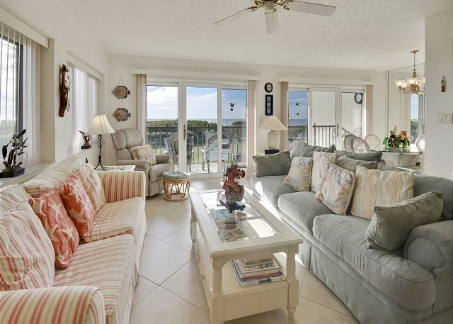 Living Area - Lands End #201 building 9 - Beach Front - Treasure Island - rentals