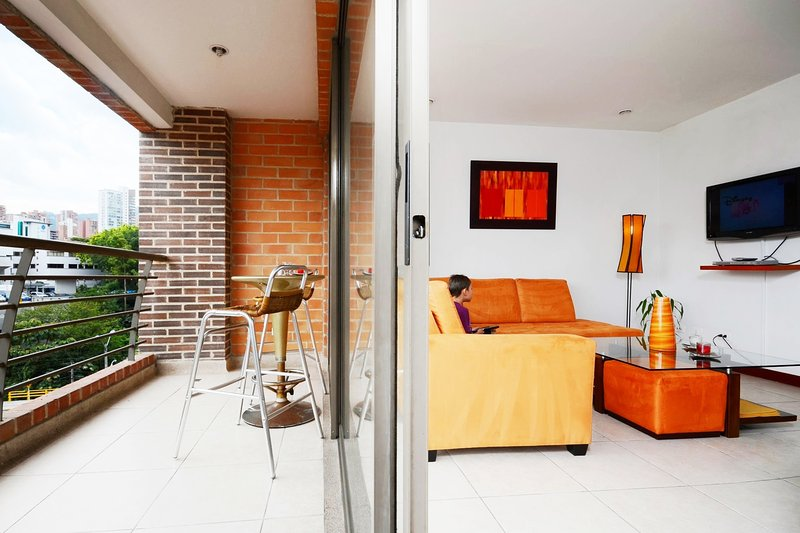 Location, Comfort and Convinience - Image 1 - Medellin - rentals