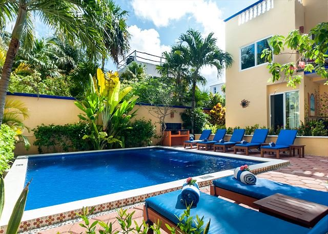 Modern, comfortable well appointed apartment with private garden courtyard. - Image 1 - Puerto Morelos - rentals