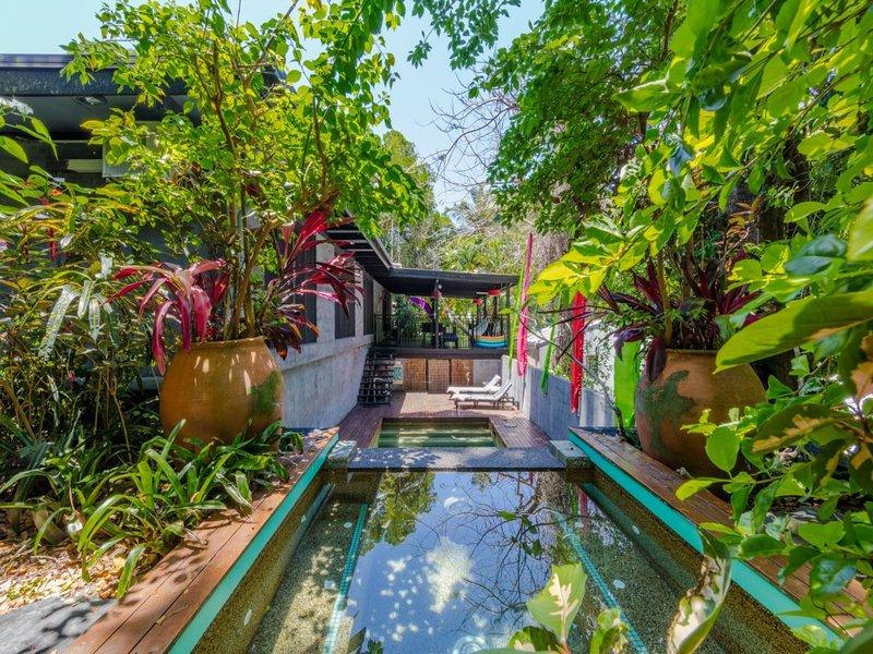 CELADON HOUSE - Image 1 - Palm Cove - rentals