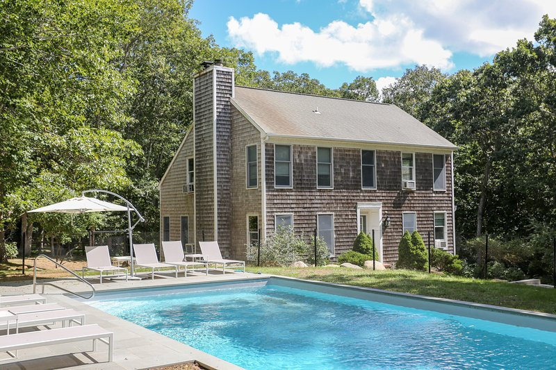 1.1 Acre, 6BR, 3000 sqft House with Pool & Tennis Court in Exclusive Hither Woods Montauk  Beach - Montauk - 6 BR / 4 Bath House w/ Pool & Beach Pass - Montauk - rentals