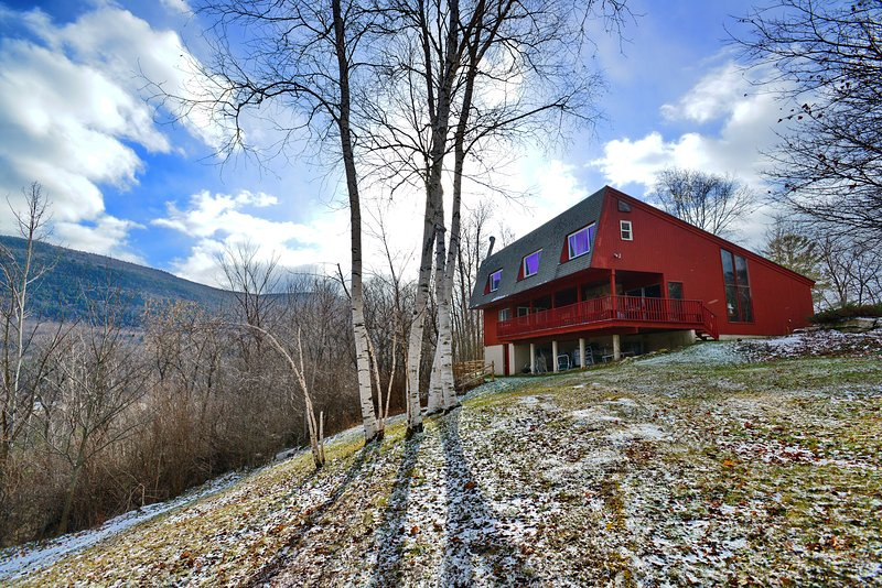 Green Mt House - gorgeous setting, very private, MT views, Sauna, fireplace, Manchester VT gem - SKI STRATTON & BROMLEY! FIRE, SAUNA, MANCHESTER! - Manchester - rentals