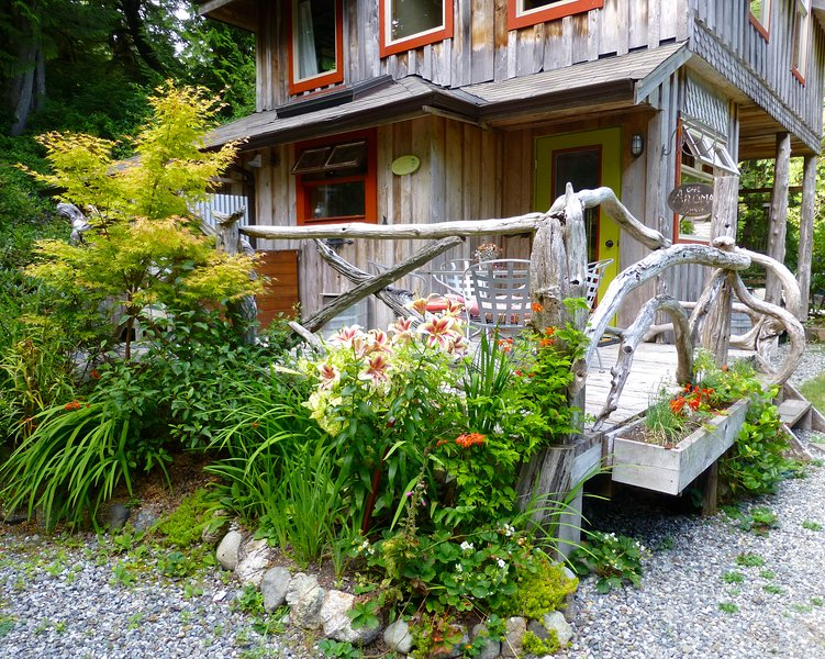 Creative west coast charm in Heron House - Image 1 - Tofino - rentals