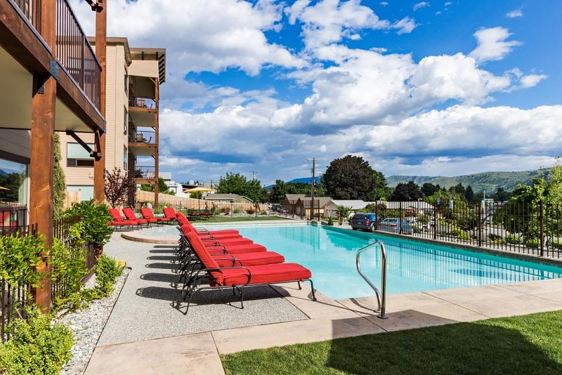 Beautiful lake and mountain views, gourmet kitchen, and shared pool and hot tub! - Image 1 - Manson - rentals