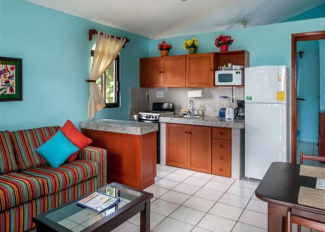 Kitchen cabinets have been updated, see new photo.   - BEAUTIFUL CASA, WALK TO BEACH & TOWN, AC, POOL, BIKES, BEACH CHAIRS & MORE! - Puerto Morelos - rentals