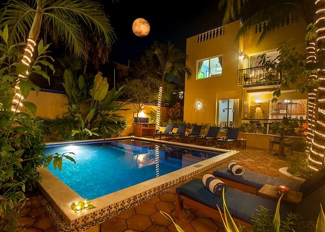 Quiet apartment with large, private patio,king bed and well equipped kitchen. - Image 1 - Puerto Morelos - rentals