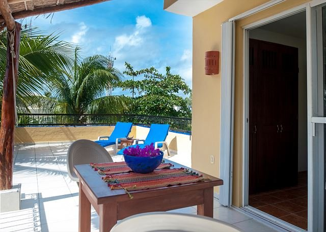 LARGE MODERN 3RD FLOOR APARTMENT, FRESH BREEZE, HUGE DECK, PRIVATE & QUIET - Image 1 - Puerto Morelos - rentals