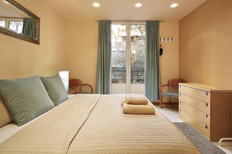 Cozy Apartment  in Eixample - Barcelona - Image 1 - Barcelona - rentals