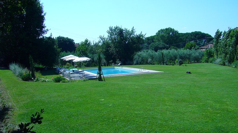 Large park with pool in the farmhouse of owners - Tower House with Garden in Medieval VicopisanoPisa - Pisa - rentals