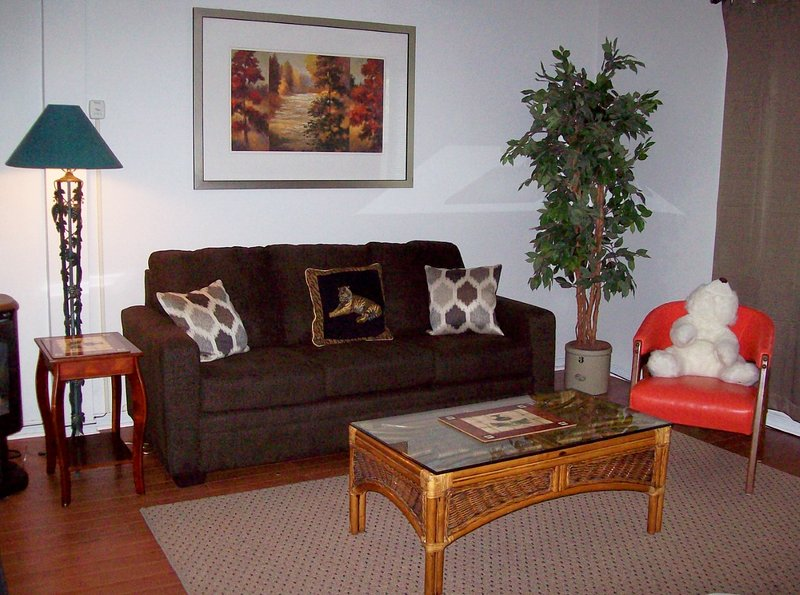 Relax, Unwind & be Comfortable..... - Horseshoe COTTAGE - Steps Away, Comfort & Private - Niagara Falls - rentals