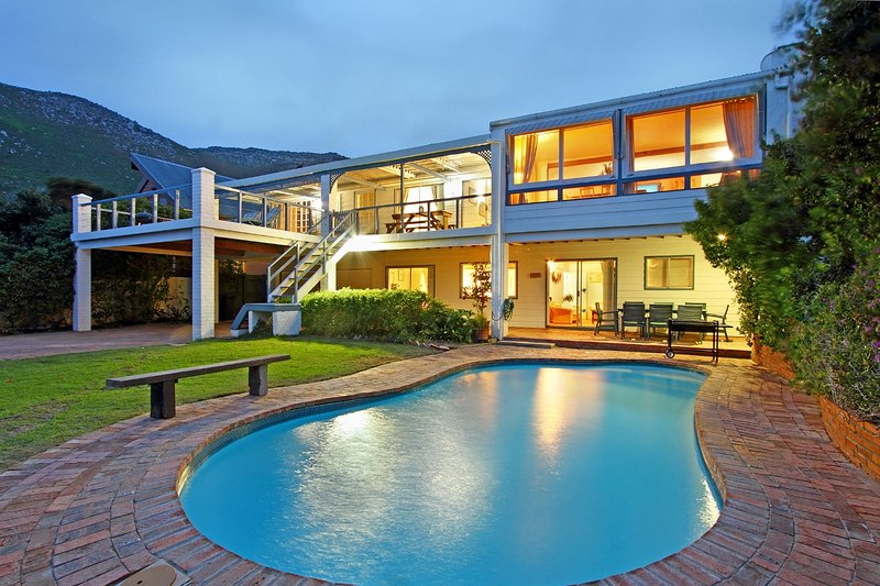 Pool and the front of the villa - Atlantic Dream Beach Villa Scarborough Cape Town - Scarborough - rentals