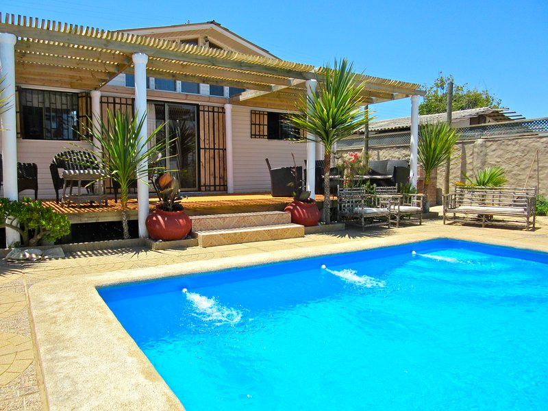 patio con terraza y piscina privada - RATES FLEXIBLE BOOK NOW & SAVE! Contact Owner. Private House, Pool. By The Ocean - Valparaiso - rentals