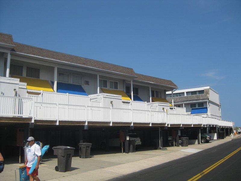 4 bedroom 2.5 bath townhouse w/pool & wifi - Image 1 - Ocean City - rentals