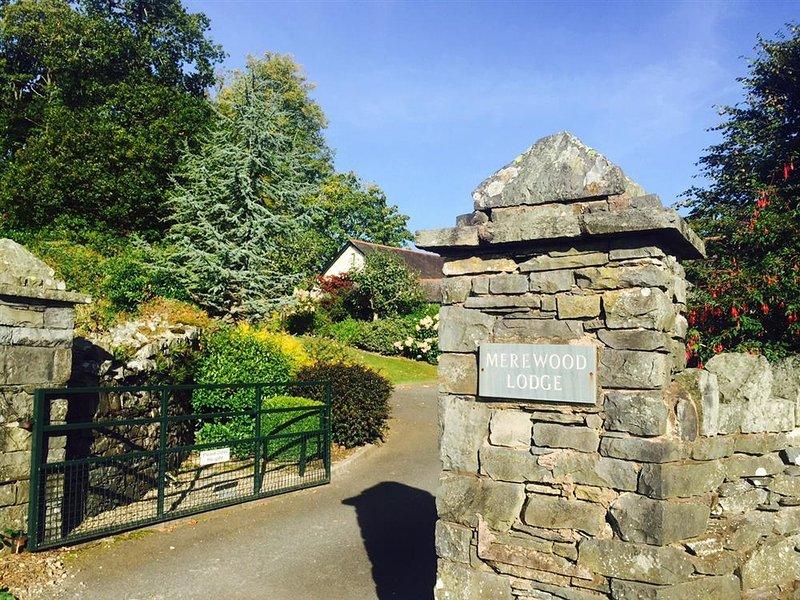 2 Merewood Lodge **** self catering rating - Image 1 - Windermere - rentals
