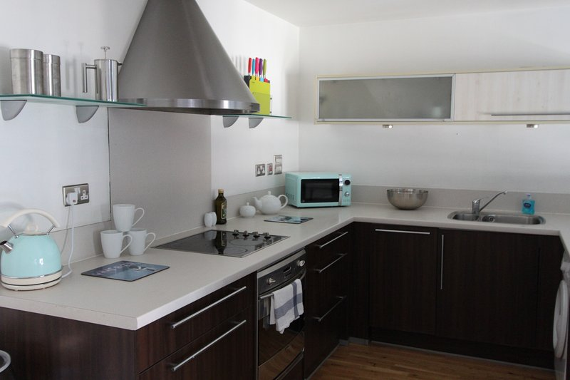 Kitchen - Ideal City Centre Apartment with Parking - Bristol - rentals