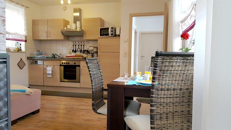Dining area and kitchen area - Apartment near the beach - Villa Waldblick Zempin - Zempin - rentals