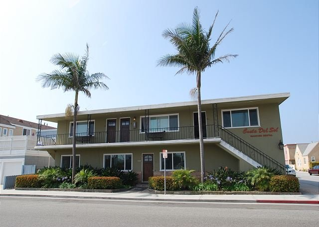 Best Deal inTown! Sleeps 10. Add upper condos for rest of the family! (68257) - Image 1 - Newport Beach - rentals