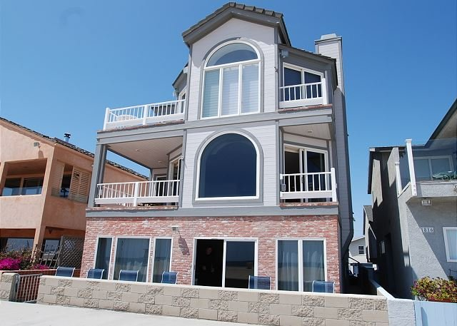 Huge Oceanfront Retreat - Patio on the Boardwalk - Between both Piers!(68263) - Image 1 - Newport Beach - rentals
