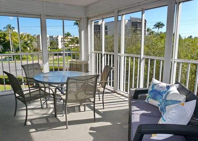 Peaceful South End condo w/ heated pool & short walk to South Beach - Image 1 - Marco Island - rentals