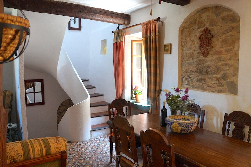 An Ancient Beauty - Romantic Medieval Village House (La Belle Ancienne) - Saint-Chinian - rentals