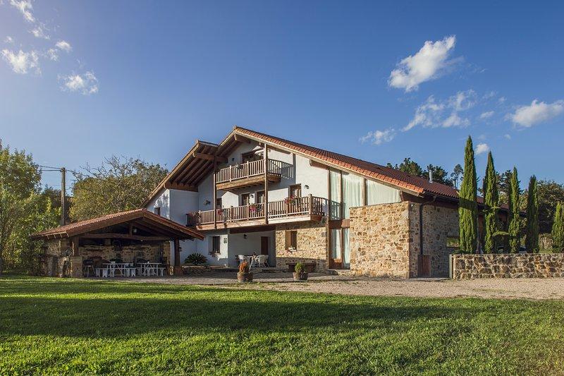 Casarural close to Bilbao B&B - Por habitaciones - Image 1 - Mungia - rentals