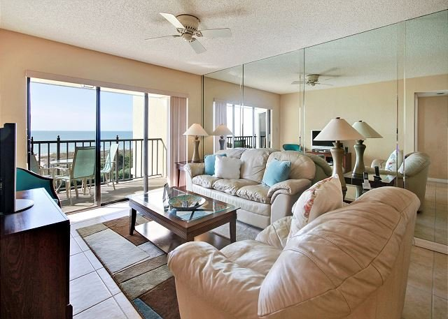 Living Area - Land's End #404 building 7 - Beach Front - Treasure Island - rentals