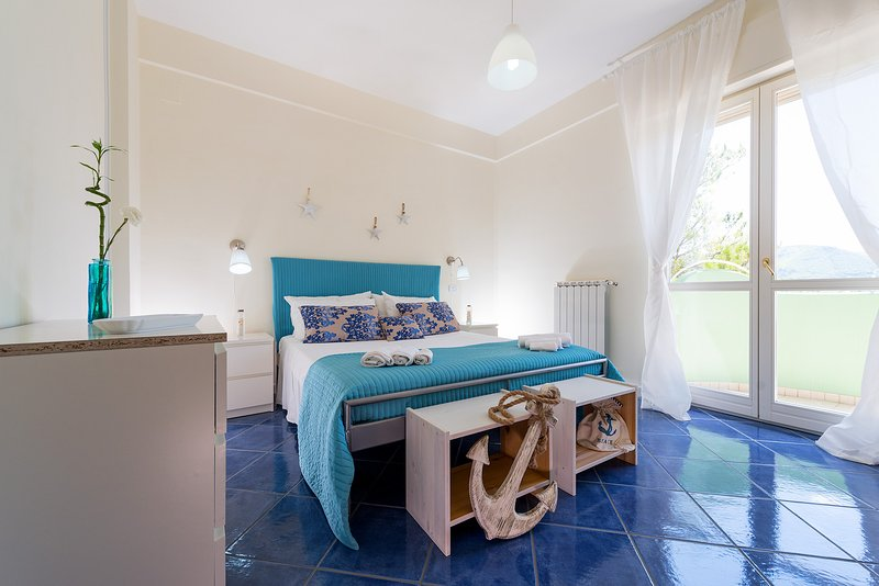 Matrimonial Bedroom - Stanza matrimoniale  - Holiday Rentals in a relaxing atmosphere at 10 min from the Center - Salerno - rentals