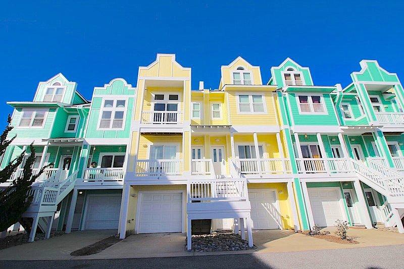 Cambridge Cove at Bermuda Bay Resort  - Cambridge Cove 3 Bedroom, 3 Night Min, Waterpark - Kill Devil Hills - rentals