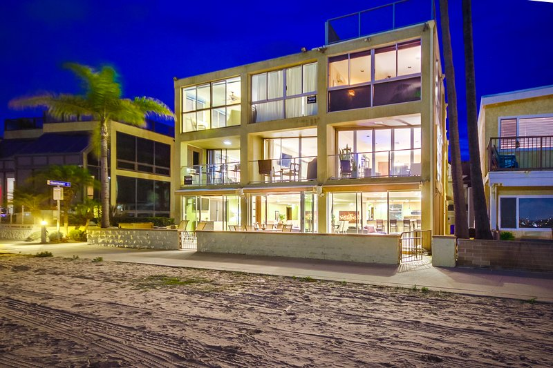 Waterfront! - ON THE SAND 6br+5.5ba in heart of Mission Beach!!! - Pacific Beach - rentals