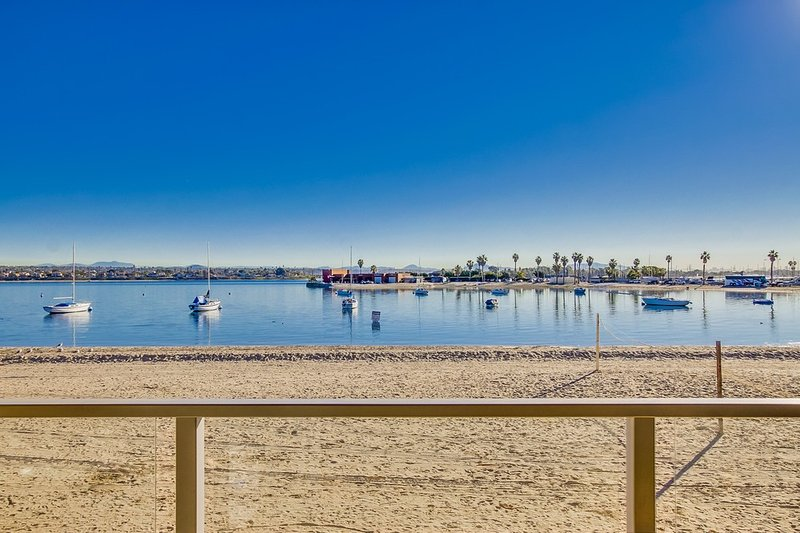 3br+3ba Townhome On the Sand!!! - Image 1 - Pacific Beach - rentals