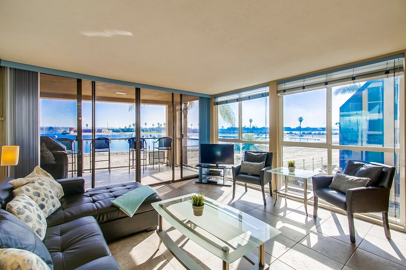 WATER FRONT Townhome *Corner Unit* - Image 1 - Pacific Beach - rentals