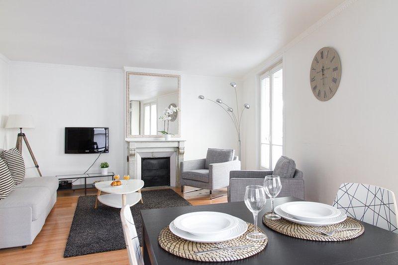 23. PRESTIGIOUS LOCATION-LOUVRE-RUE SAINT HONORE - Image 1 - Paris - rentals