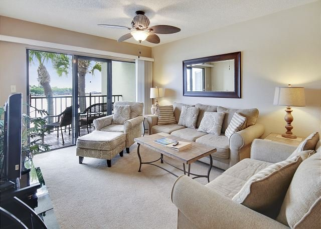 Living Area - Land's End #202 building 5 - Gulf View - Treasure Island - rentals
