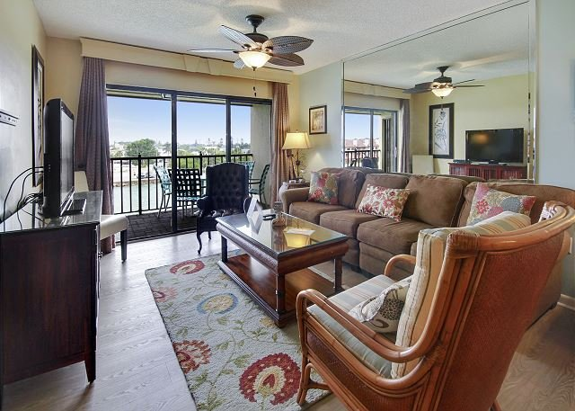 Living Area - Land's End #405 building 4 - Bay Front - Treasure Island - rentals