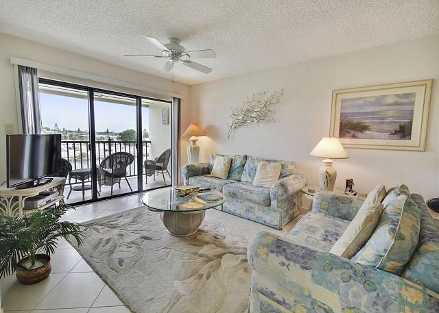 Living Area - Land's End #405 building 3 - Bay Front - Treasure Island - rentals