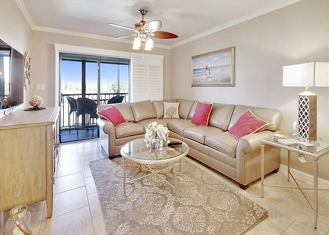 Living Area - Lands End #302 building 4 - Bay Front - Treasure Island - rentals