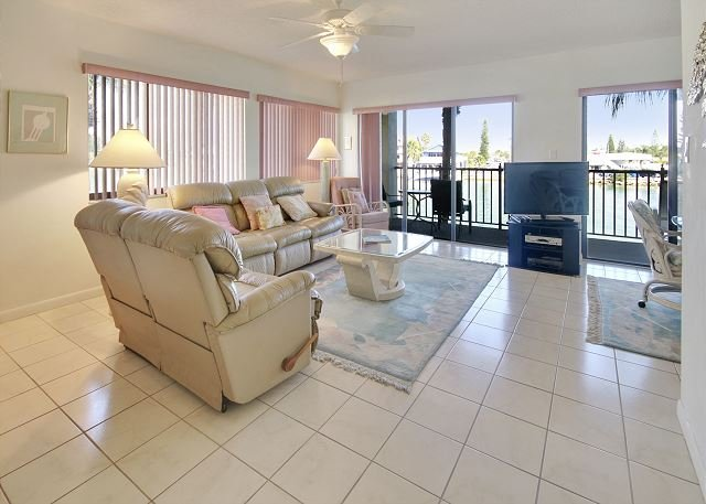 Living Area - Lands End #201 building 4 - Bay Front - Treasure Island - rentals