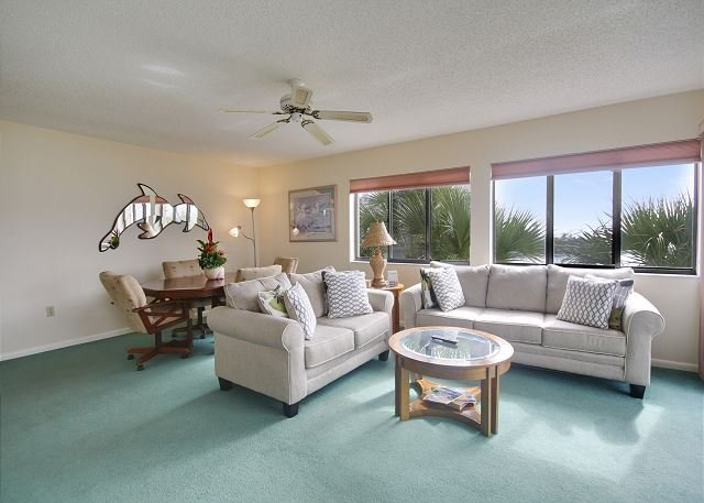 Living Area - Lands End #301 building 6 - Beach Front - Treasure Island - rentals