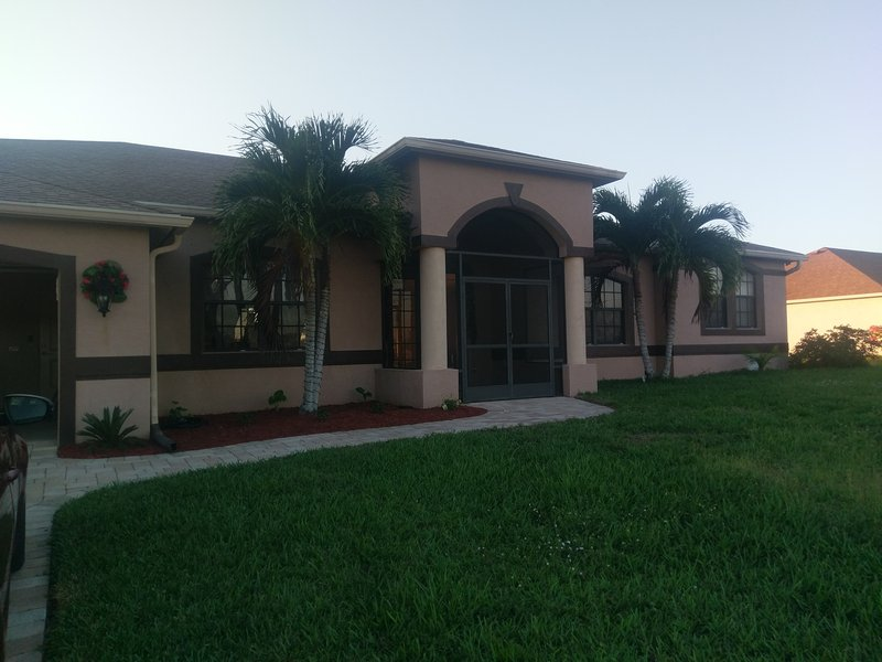 Affordable upscale vacation home -over 2500sq ft - Image 1 - Cape Coral - rentals