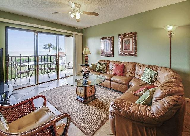 Living Area - Lands End #204 building 9 - Beach Front - Treasure Island - rentals