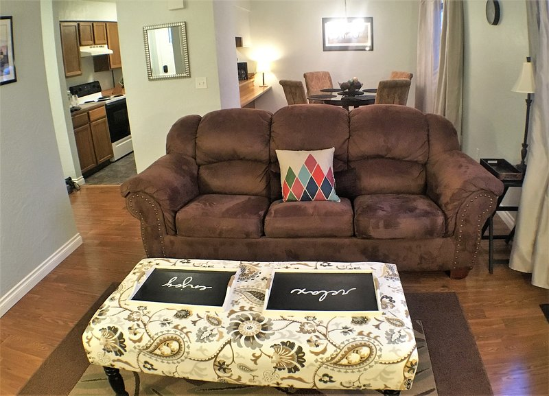 """""""This was by far the nicest home we have stayed in. Thank you Paul and Darlene.""""-PD - 5-star UPDATED House! Central. W/D. WiFi. Yard - Anchorage - rentals"""