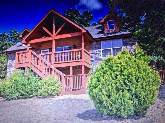 Beautiful Spacious Lodge at Stonebridge Village! - Image 1 - Branson - rentals
