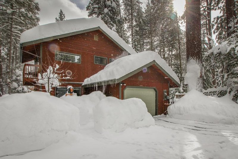 Cozy home with a private hot tub, sauna & pool table - magical inside & out! - Image 1 - South Lake Tahoe - rentals
