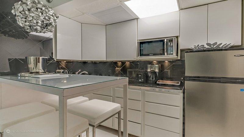 Art Deco Deluxe 3 Room Suite - 3 Room Art Deco Oceanfront Suite at Shelborne Sout - Miami Beach - rentals