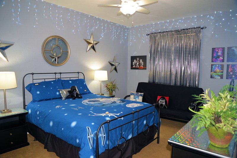 Star Wars Room features special lighting, sleeps up to 4 w/ all new furnishings - Windsor Hills 3BR-2BA Condo - 2 Miles from Disney - Kissimmee - rentals