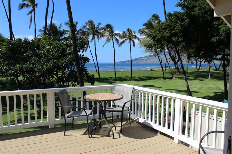 Welcome! Come & enjoy your 12' x 20' Lanai over looking the beach & lawn area! - Maui Kihei Private Beachfront House 4Bd/2.5BA - Kihei - rentals