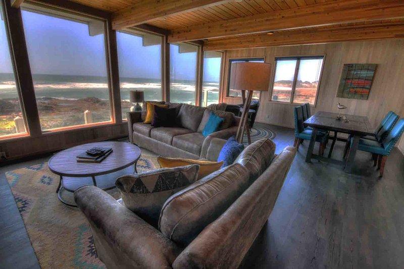Amazing Panoramic Ocean Views, 2 Fireplaces! FREE NIGHT! - Image 1 - Yachats - rentals
