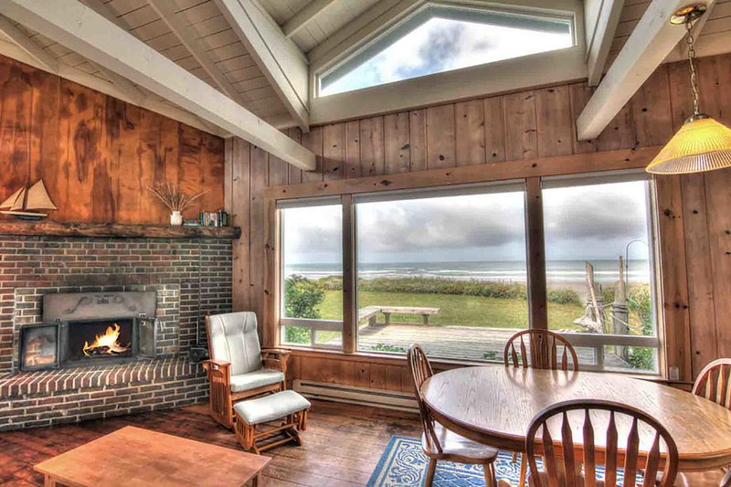 Ocean Front Cottage on a Sandy Beach! - Image 1 - Yachats - rentals